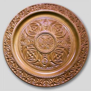 Тарелка деревянная резная  4